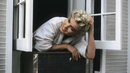 marilyn-out-the-window